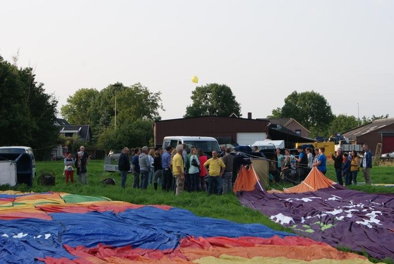 Ballonnen liggen klaar in Sprang Capelle