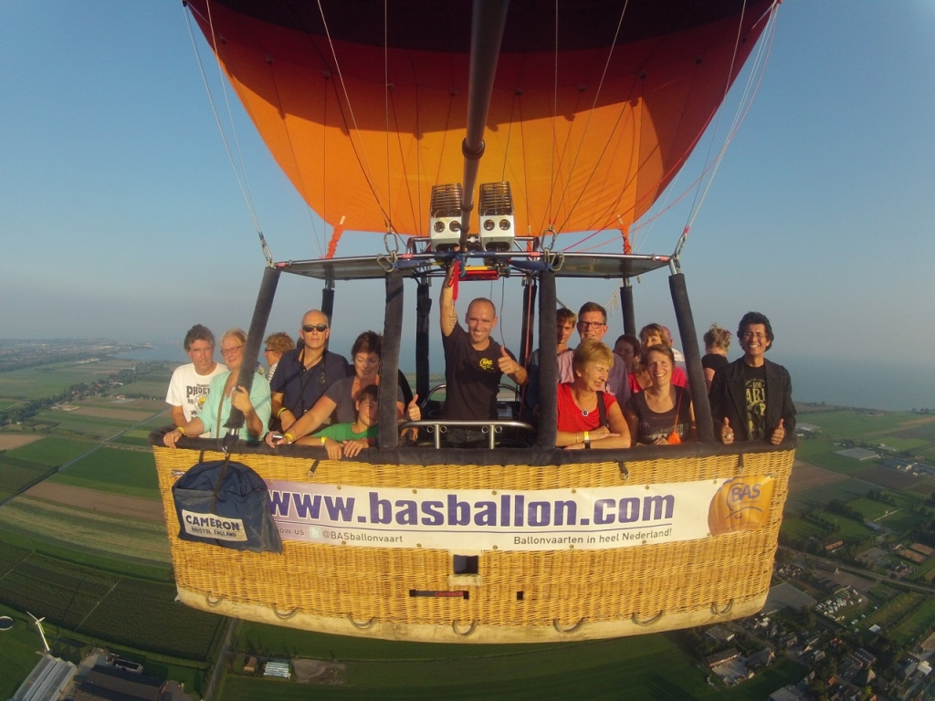 Luchtballon boven Hoorn