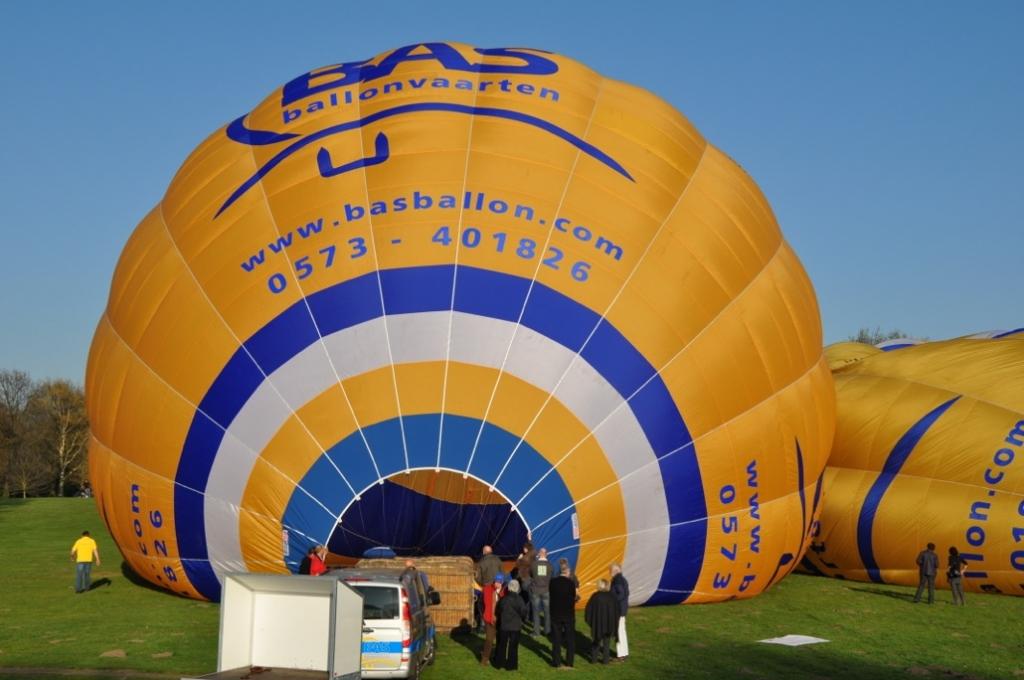 Luchtballon vol met koude lucht
