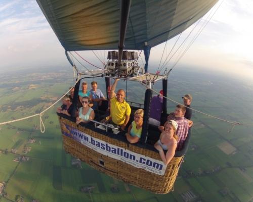 Ballonvaart in Vinkenbuurt