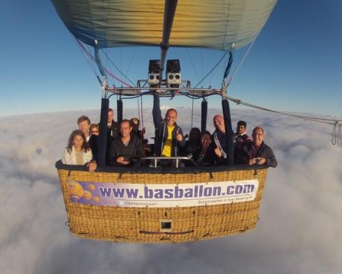 Ballonvaart in de wolken