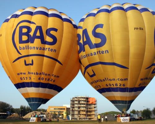 2 Luchtballonnen in Arnhem op IJsseloord 2